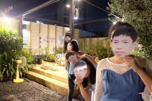 Kinnon Deluxe Hostel Coworking Cafe photo 136