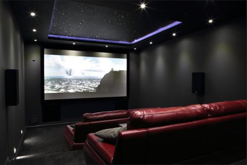Swanston Cinema Apartment