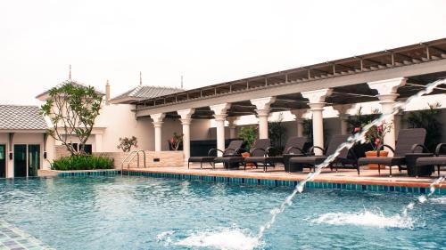 Chillax Resort photo 2