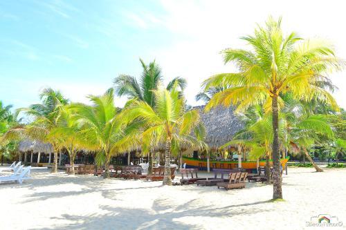 . Arenas Beach Hotel