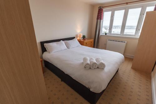 2 Bedroom Waterview Apartment Liverpool