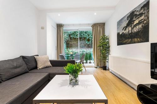 Sentosa Apartments Kensington
