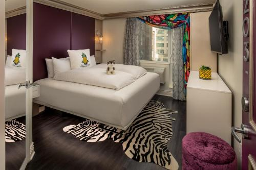 Staypineapple, an Artful Hotel New York