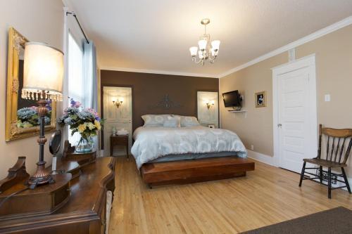 Charles Street Vacation Home - Lethbridge, AB T1J 1R1