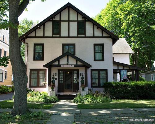 Rosewood Inn - Corning, New York