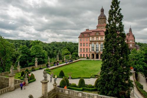 __{offers.Best_flights}__ Hotel Książ