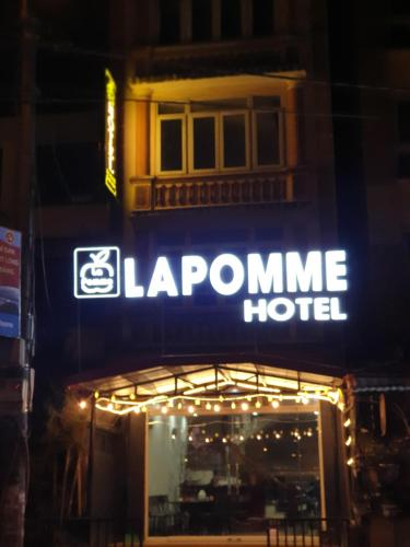 LaPomme Hotel