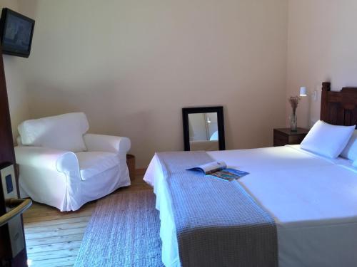 Zweibettzimmer mit eigenem Bad auf dem Gang Hotel Masia La Palma 1