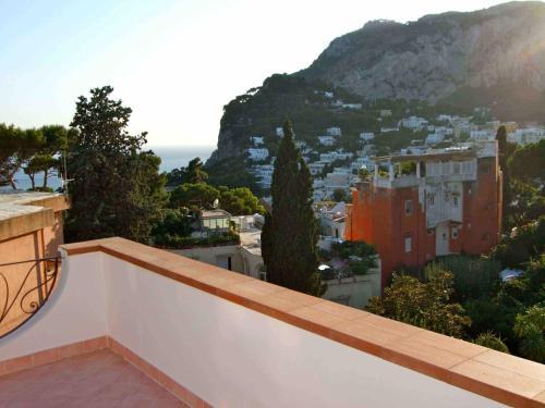 Breathtaking Panoramic Penthouse in Capri Center, Pension in Capri