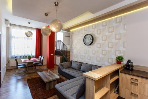 Kazinczy Premium Apartment, Pension in Miskolc