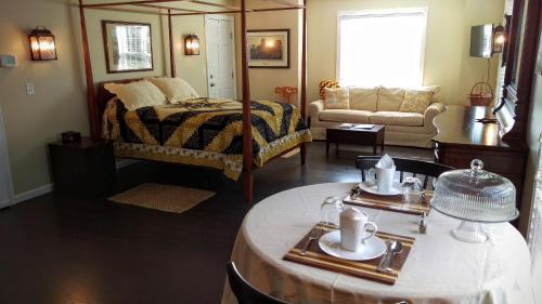 The Hertzog Homestead Bed & Breakfast - Ephrata, PA 17522