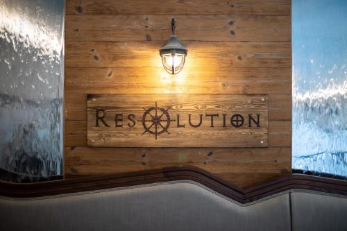 The Resolution Hotel picture 1 of 50