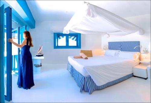 Doppelzimmer mit seitlichem Meerblick und Terrasse  AVANTI Lifestyle Hotel - Only Adults 36