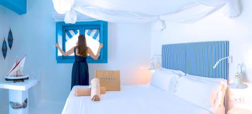 Doppelzimmer mit seitlichem Meerblick und Terrasse  AVANTI Lifestyle Hotel - Only Adults 37