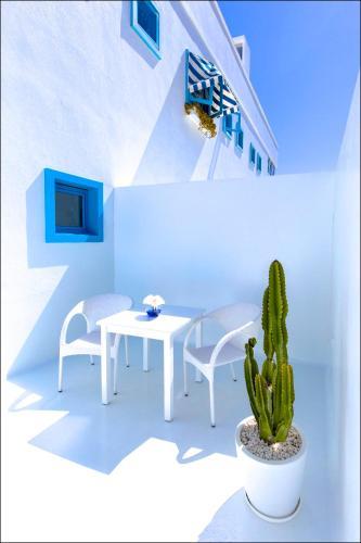 Doppelzimmer mit seitlichem Meerblick und Terrasse  AVANTI Lifestyle Hotel - Only Adults 31