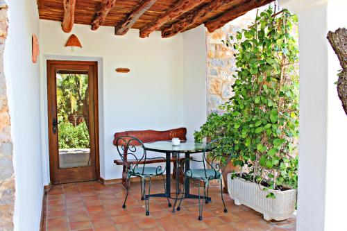 Playa de Migjorn, 07871 Formentera, Spain.