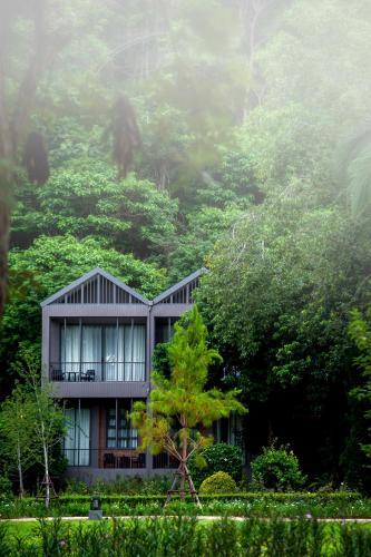 . Flora Creek Chiang Mai