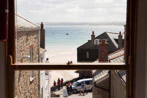 Apartment 1 - Custom House, St Ives, Cornwall