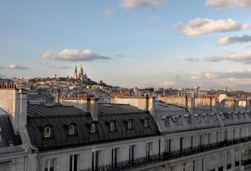 20, Rue la Fayette, 75009, Paris, France.