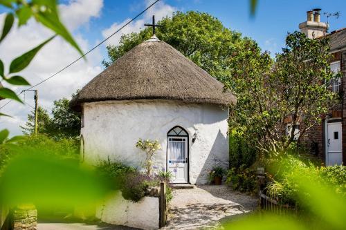 Round House East, Veryan, Cornwall