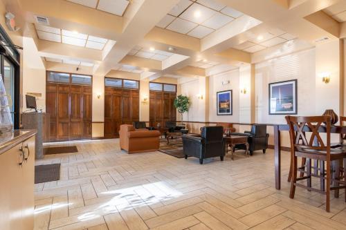 . Master Suites Hotel