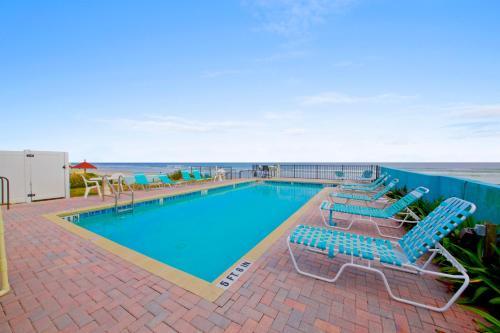 . Daytona Shores Inn and Suites