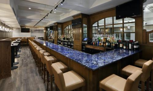 Madison Beach Hotel, Curio Collection by Hilton - Madison