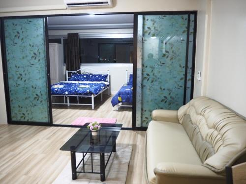 0402new luxury 3 bedroom Riviera Up Condominium 0402new luxury 3 bedroom Riviera Up Condominium