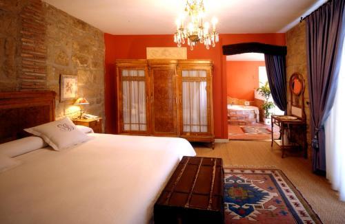 Suite con bañera de hidromasaje Hospedería Señorío de Briñas 8