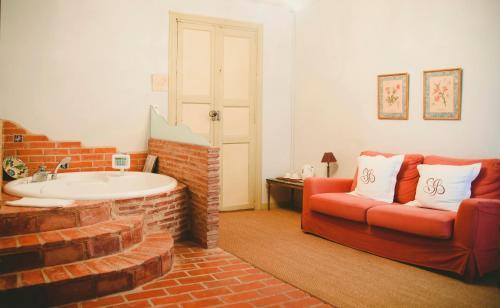 Suite con bañera de hidromasaje Hospedería Señorío de Briñas 4