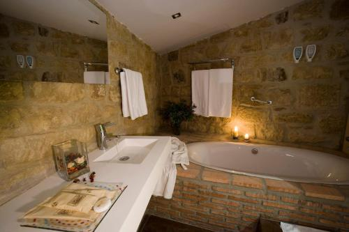 Habitación Doble Especial - 1 o 2 camas Hospedería Señorío de Briñas 20