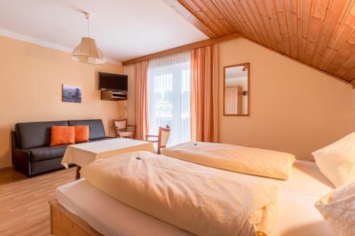 Фото отеля Gasthof - Pension Durnthaler
