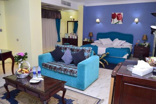 Holidays Express Hotel - image 5