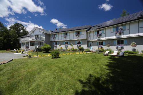 . Carlson's Lodge