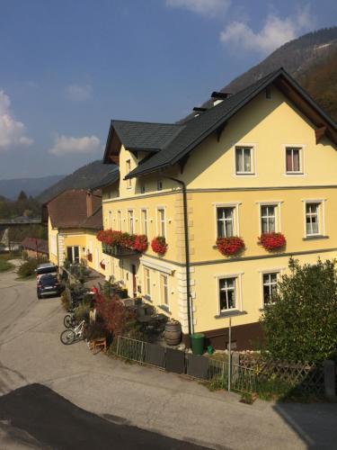 . Rettensteinerhof Wirtshaus Hilbinger