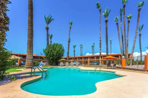 Howard Johnson by Wyndham Phoenix Airport/Downtown Area - Phoenix, AZ AZ 85008