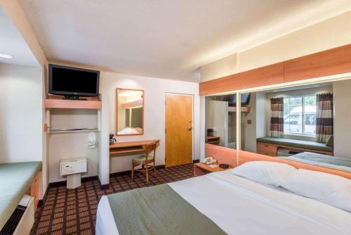 Microtel Inn & Suites By Wyndham Uncasville - Uncasville, CT 06382