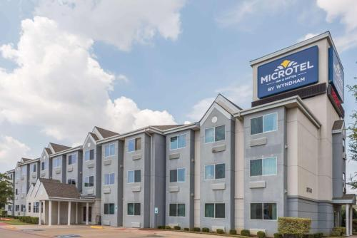 Microtel Inn & Suites by Wyndham Ft. Worth North-At Fossil
