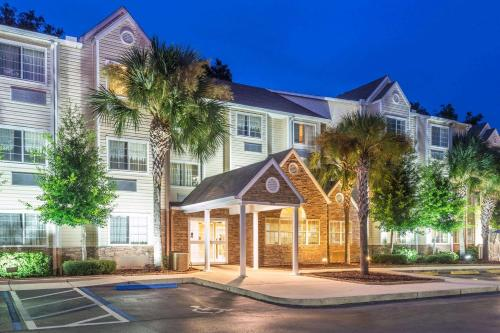 . Microtel Inn and Suites Ocala