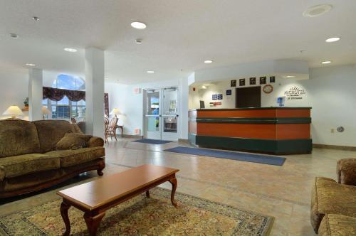 Microtel Inn & Suites By Wyndham Owatonna - Owatonna, MN 55060