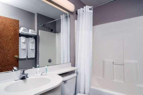 Microtel Inn & Suites By Wyndham New Ulm - New Ulm, MN 56073