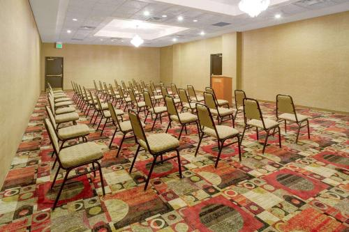 Ramada By Wyndham Englewood Hotel & Suites - Englewood, CO 80112