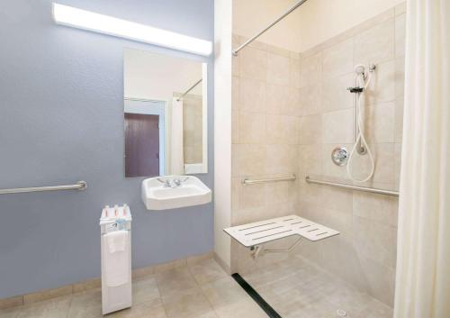 Microtel Inn & Suites By Wyndham Stanley