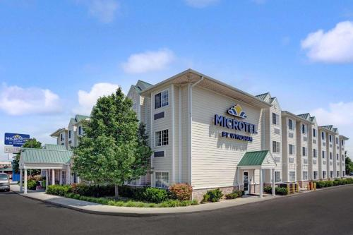 Microtel Inn & Suites by Wyndham Indianapolis Airport
