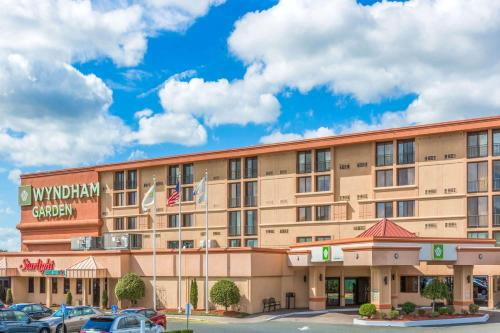 Wyndham Garden Hotel Newark Airport