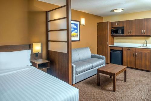 Microtel Inn & Suites by Wyndham Red Deer - Red Deer, AB T4E 1B9
