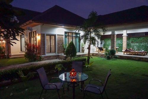 Sunshine Villa @Sattahip Sunshine Villa @Sattahip