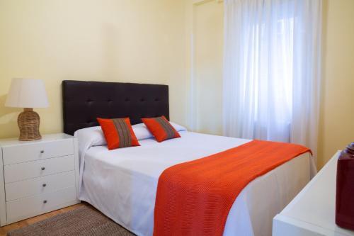 Apartamentos Duque Martinez Izquierdo.