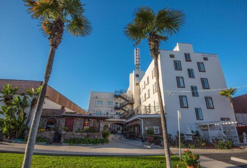 . Pismo Beach Hotel