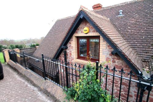 . Two Grooms Cottage